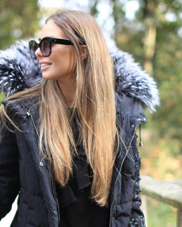 Cappottino in piumino con maniche in lana ricamate e bordo in volpe argentata
